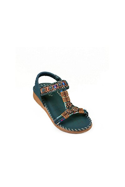 Guja Kadın Düz Taban Taşlı Şık Sandalet