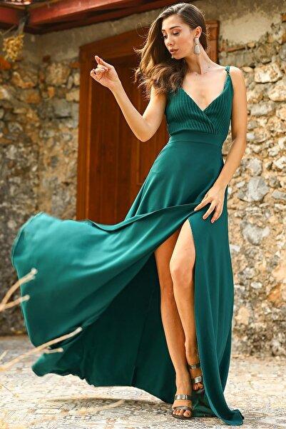 Pileli Yeşil Kadın Abiye