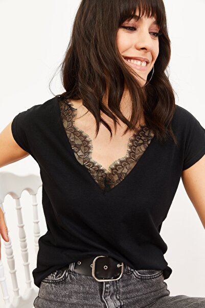Kadın Dantel Detay V Yaka Kolsuz Bluz Siyah 10061061