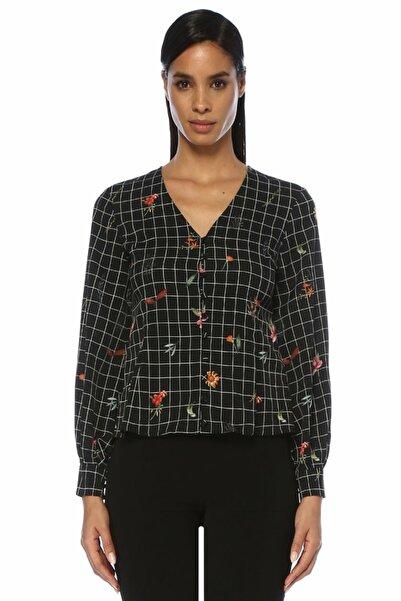 Siyah V Yaka Kareli Çiçekli Gömlek