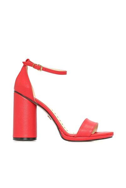 Dıvarese Kırmızı Sandalet
