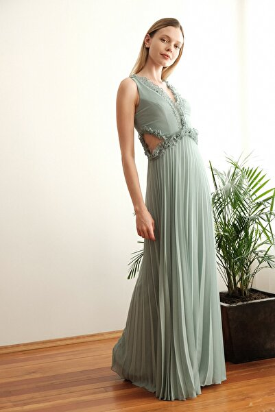 TRENDYOLMİLLA Mint Yaka Detaylı  Abiye & Mezuniyet Elbisesi TPRSS20AE0144