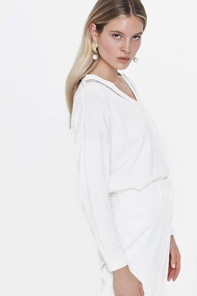 Kadın Kırık Beyaz Transparan Yaka Şeritli Triko IS1200050099096