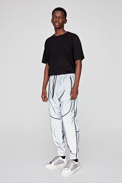 Pull & Bear Erkek Gri Kontrast Şeritli Reflektör Jogging Fit Pantolon 05670546