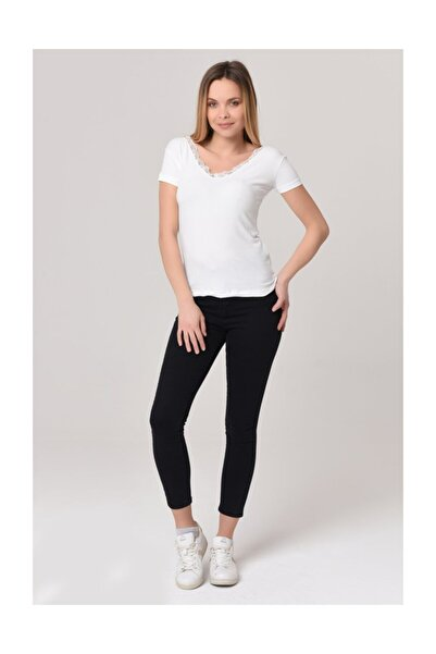 YOYOSO Kadın Beyaz V Yaka Kısa Kol Dantelli Kaşkorse Bluz