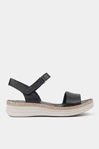 Hotiç Hakiki Deri Sıyah Kadın Sandalet 01SAH172500A100