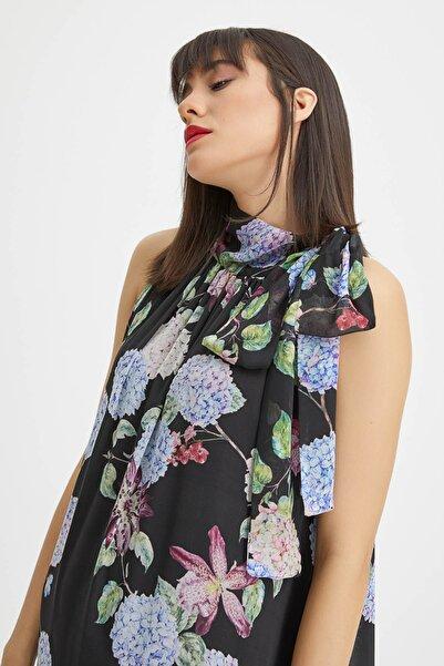 Kadın Siyah Uzun Çiçek Desenli Elbise 20YG001321