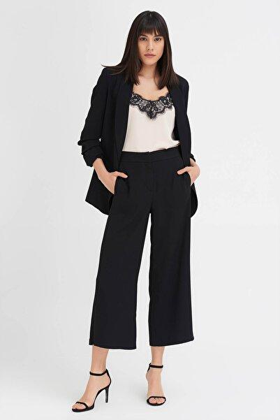 Gusto Kadın Siyah Bol Paçalı Krep Pantolon 20YG001117