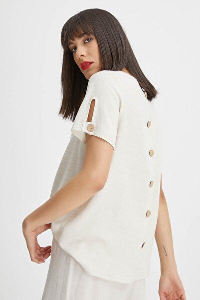 Kadın Bej Arkası Düğmeli Keten Bluz 20YG001535