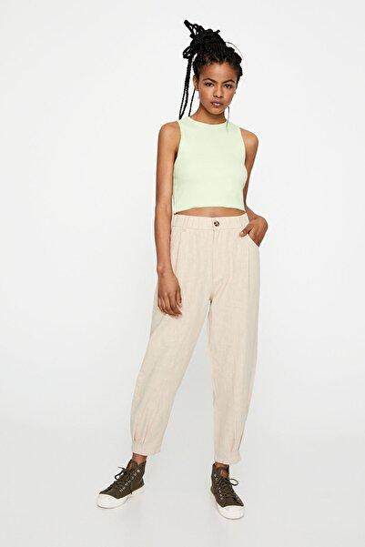 Pull & Bear Kadın Açık Kum Rengi Paçaları Pilili Rustik Pantolon 05670311