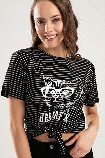 Y-London Kadın Siyah Beyaz Çizgili Baskılı Bağlamalı Tişört Y20S159-6140
