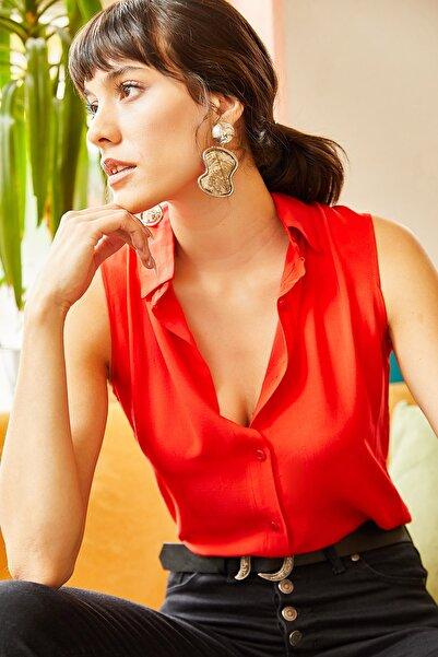 Olalook Kadın Kırmızı Kolsuz Viskon Gömlek GML-19000631