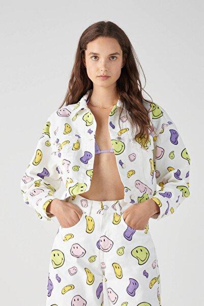 Pull & Bear Kadın Kum Rengi Oversize Smiley Desenli Denim Ceket 05713356