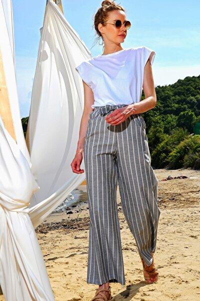 Trend Alaçatı Stili Kadın Gri Bol Paçaçizgili Viscon Pantolon ALC-X4362