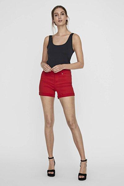 Vero Moda Kadın Kırmızı Paçaları Katlamalı Şort10209883 VMHOT