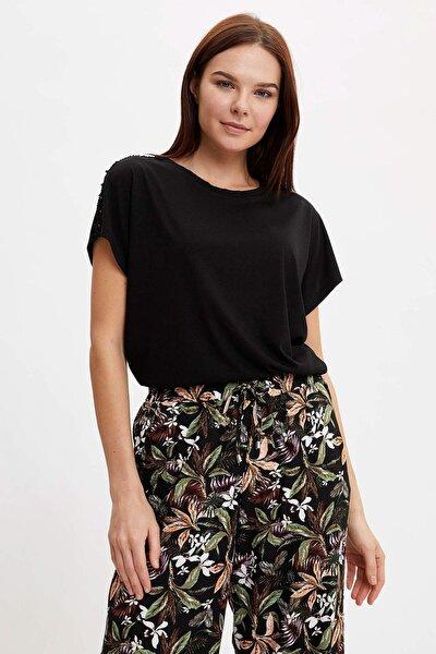 Kadın Siyah Dantelli Yarasa Kollu T-Shirt N7932AZ.20SM.BK27