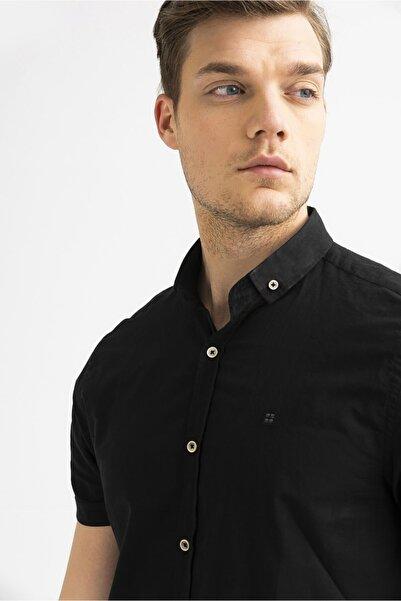 Erkek Siyah Düz Düğmeli Yaka Slim Fit Kısa Kol Vual Gömlek A01s2210