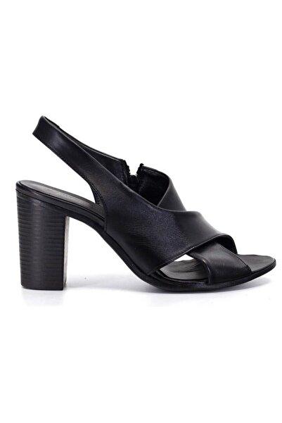 Mammamia Kadın Siyah Deri Topuklu Ayakkabı