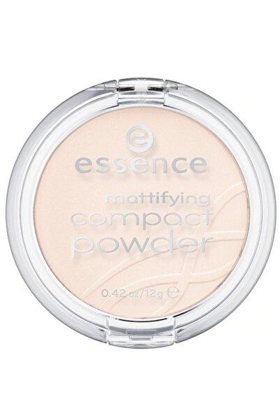 Essence Mattifying Compact Powder Pudra 11