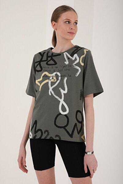 Tommy Life Kadın Karışık Desenli Yazı Baskılı Oversize O Yaka T-shirt - 97132