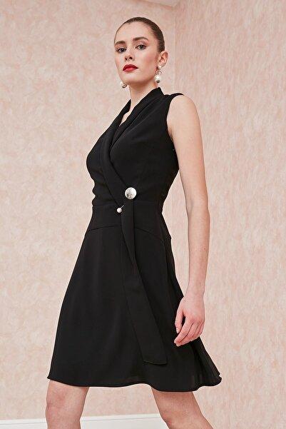 Journey Elbise-şal Yaka, Sol Beden Üstü Inci Broş Detaylı, Evaze Kolsuz