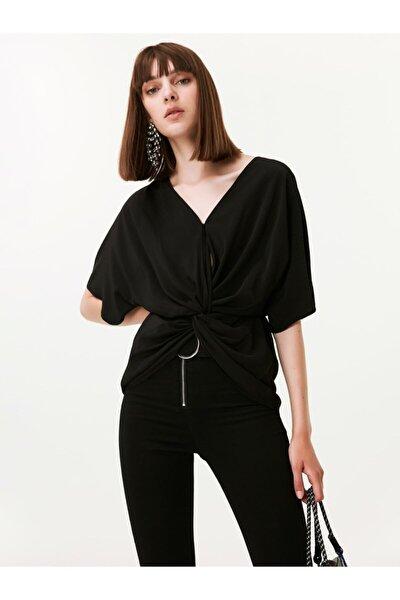 Twist Bağcık Detaylı Bluz
