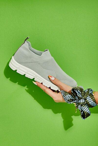 Bambi Gri Kadın Sneaker L0816153682