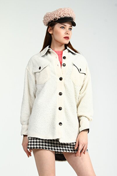 Collezione Beyaz Gömlek Yaka Düğmeli Ön Cepli Kadın Peluş Ceket