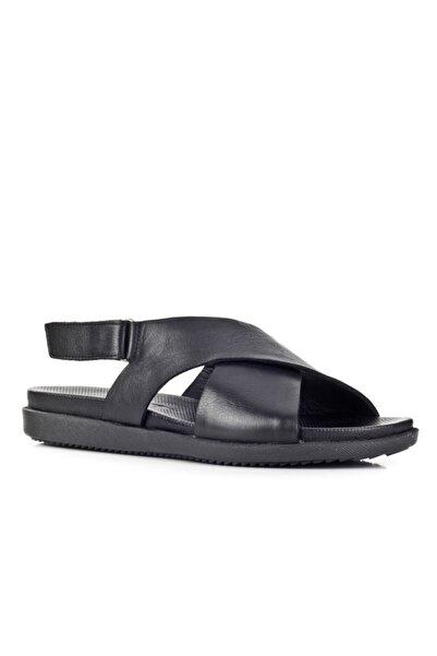 Cabani 2 Cm Topuklu Çapraz Bantlı Tokalı Günlük Kadın Sandalet Siyah Deri