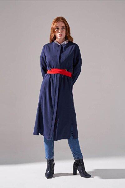 Mizalle Dokulu Desen Kuşaklı Elbise (Lacivert)