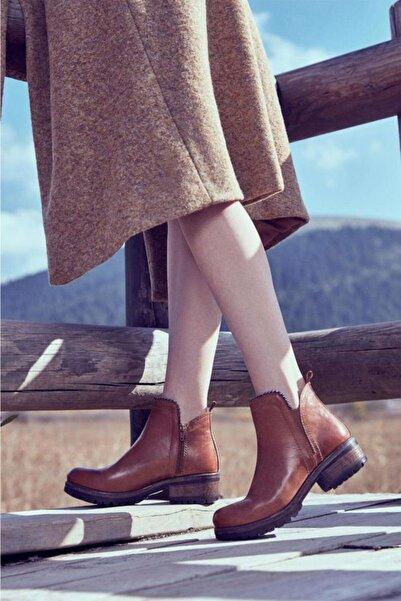 BUENO Shoes Boncuk Detaylı Hakiki Deri Kadın Topuklu Bot 9p0507