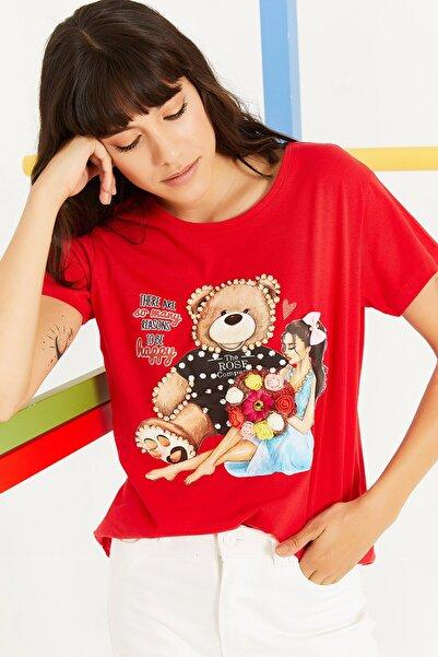 Lafaba Kadın Kırmızı Bisiklet Yakalı Taşlı Baskılı Basic T-shirt