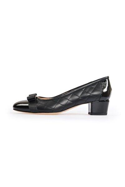 Flower Siyah Deri Fiyonklu Kalın Topuklu Ayakkabı