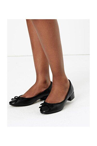 Marks & Spencer Kadın Siyah Yuvarlak Burunlu Deri Babet Ayakkabı T02004932