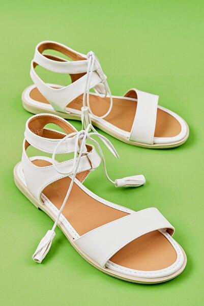 Bambi Beyaz Kadın Sandalet L0652071009