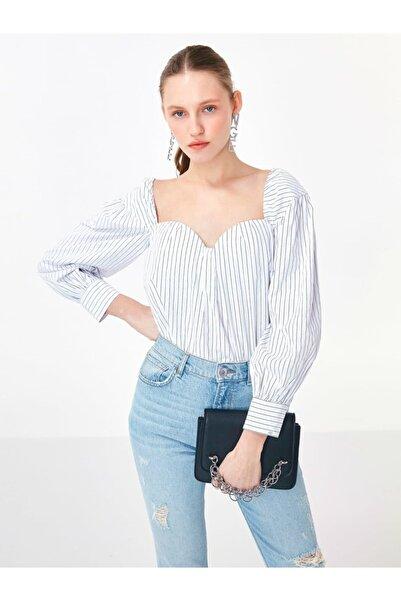 Twist Yaka Detaylı Bluz