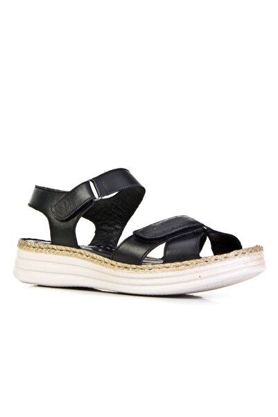 Cabani 4 Cm Topuklu Çırt Bantlı Günlük Kadın Sandalet Siyah Deri