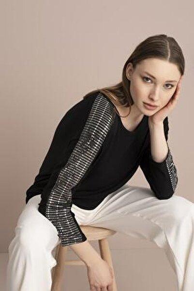 Kadın Siyah Kolu Payetli Çilek Bluz
