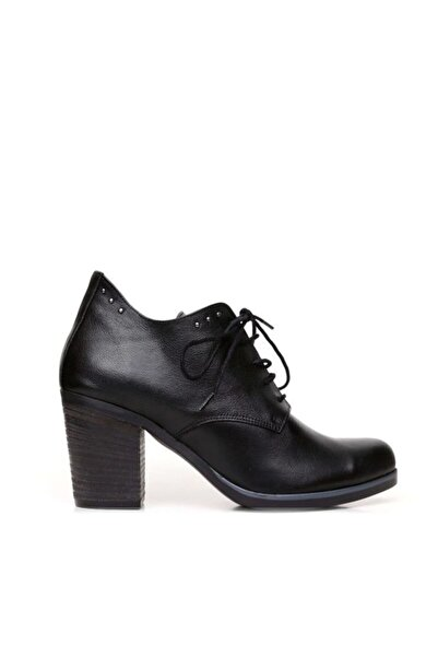 BUENO Shoes Trok Detaylı Hakiki Deri Kadın Topuklu Bot 9p1510
