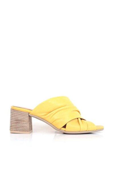 BUENO Shoes Büzgü Detaylı Hakiki Deri Topuklu Kadın Terlik 9n1313