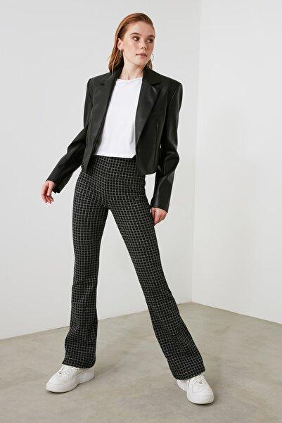 TRENDYOLMİLLA Siyah Desenli Flare Paça Örme Pantolon TWOAW21PL0753