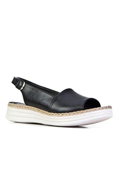 Cabani 4 Cm Topuklu Tokalı Aksesuar Kadın Sandalet Siyah Deri