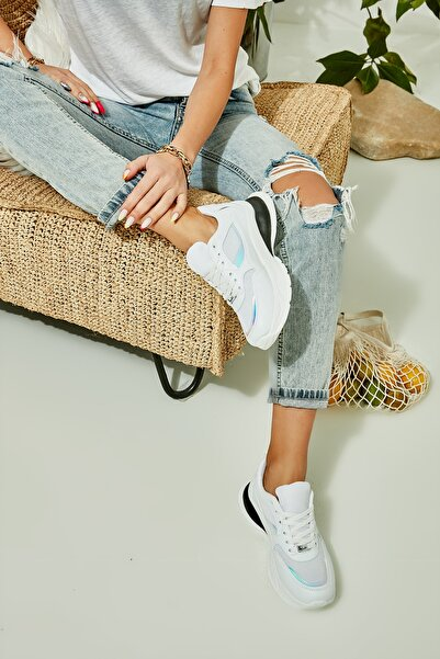 Bambi Beyaz Kadın Sneaker L0806068509