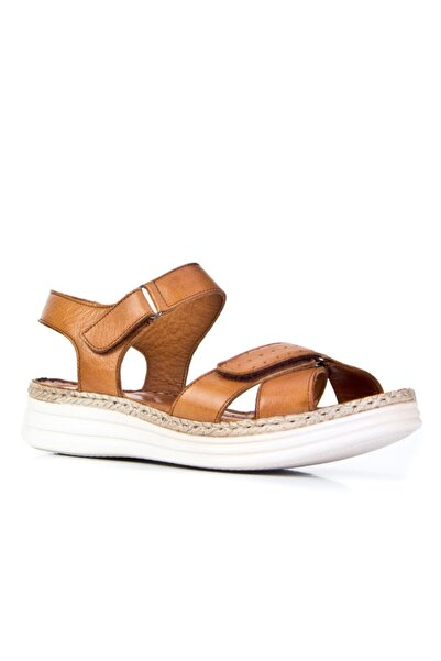 Cabani 4 Cm Topuklu Çırt Bantlı Günlük Kadın Sandalet Taba Deri