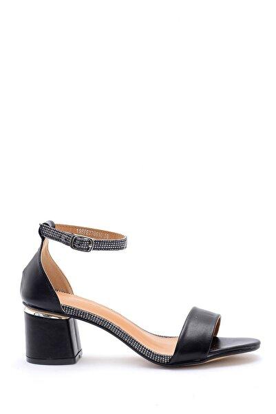 Derimod Kadın Taş Detaylı Sandalet