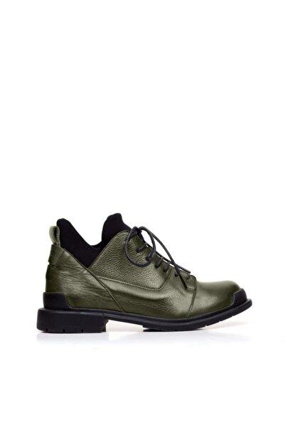 BUENO Shoes Lastikli Ve Bağcıklı Hakiki Deri Kadın Düz Bot 9p7701