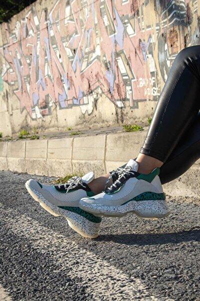 BUENO Shoes Hakiki Deri Fileli Ve Noktalı Taban Detaylı Kadın Spor Ayakkabı 20wq11404