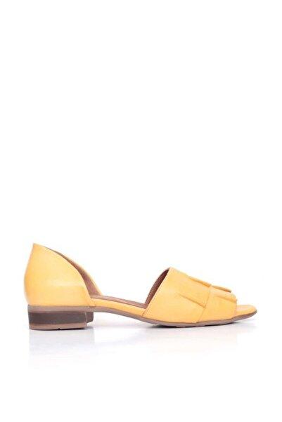 BUENO Shoes Büzgülü Detaylı Hakiki Deri Kadın Düz Sandalet 9n5100