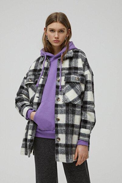 Pull & Bear Kadın Beyaz Kalın Dokulu Kareli Ince Ceket