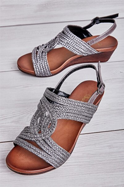 Bambi Platın Kadın Sandalet L0504018509